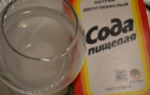 Кальценированная сода и уксус